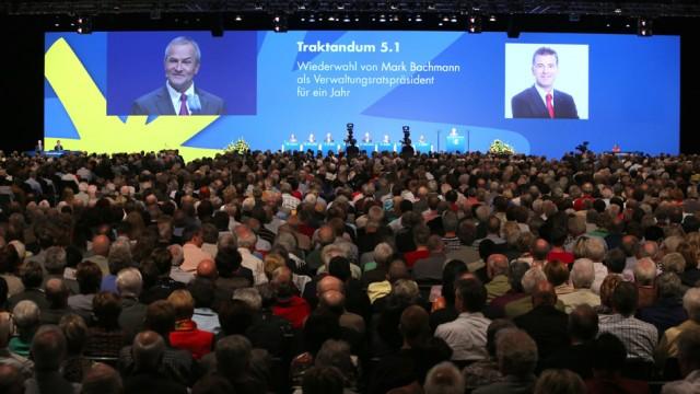 An der Generalversammlung der Luzerner KB nehmen jeweils 4000 Aktionäre teil.