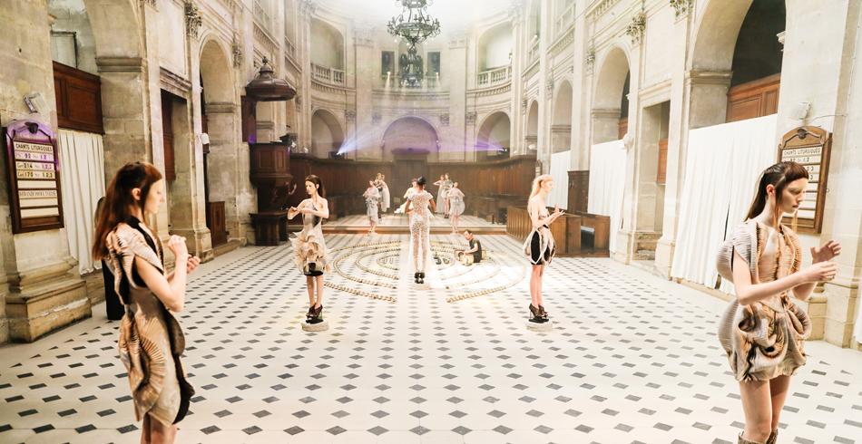 Modeschau Haute Couture «Seijaku» Iris Van Herpen, 2016
