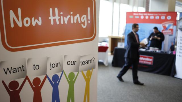 Gutes Personal wird rar: Die Löhne dürften deshalb endlich steigen.