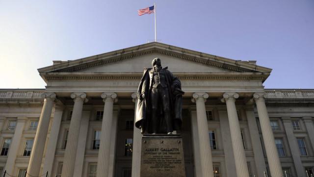 Zehnjährige Treasuries rentieren wieder mehr als 3%.