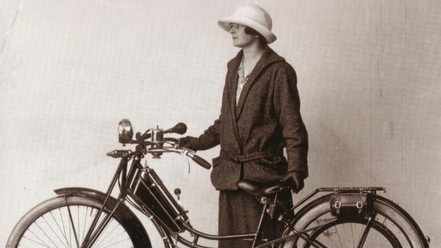 Das Damenmodell des «Zehnderli» von 1925 war beliebt «bei Hebammen, Pfarrherren und Motorradsport