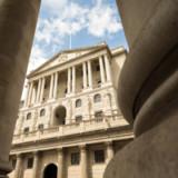 Britische Notenbank hält Zins stabil