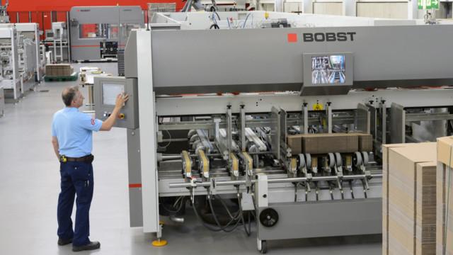 Letzten Sommer hat der Verpackungsmaschinenhersteller Bobst die Gewinnprognosen deutlich gesenkt.