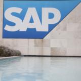 SAP erreicht Prognosen und plant Restrukturierung