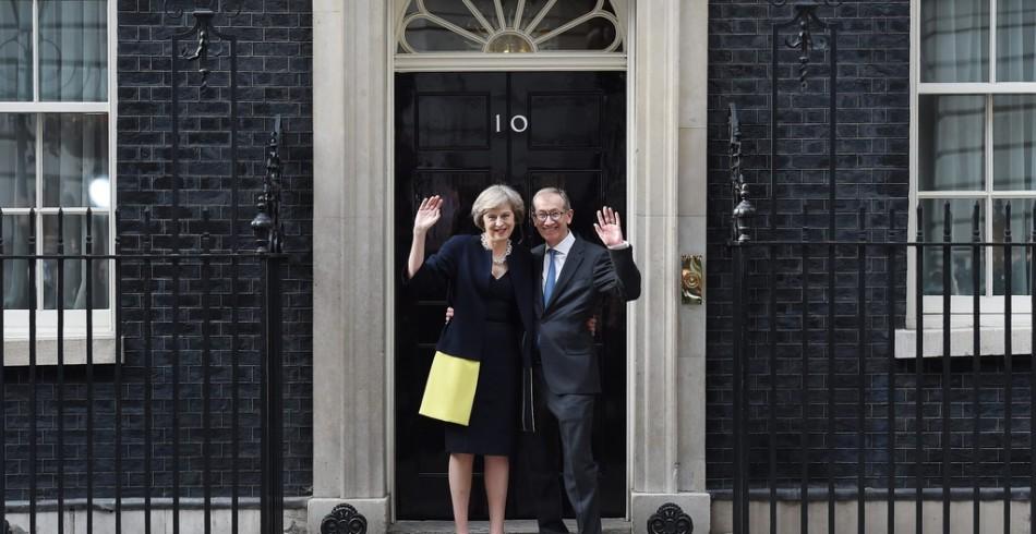 Alles begann, als Theresa May am 13. Juli 2016 in der Downing Street ankam. Auf den Stufen der Numme
