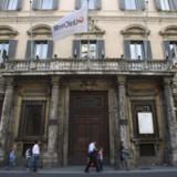 UniCredit legt Plan für Commerzbank-Übernahme vorerst auf Eis