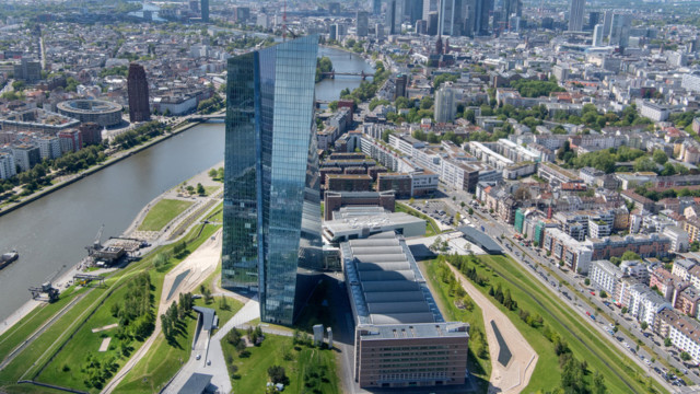 Seit 2009 kaufen die nationalen Zentralbanken und die EZB (das Eurosystem) gedeckte Schuldverschreib