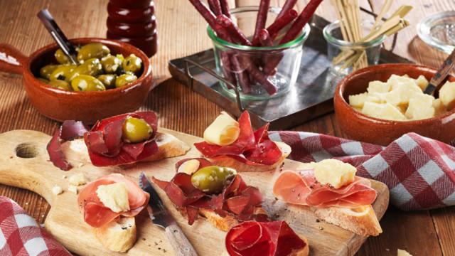 Die Preise für Schweizer Schweinefleisch seien verglichen mit jenen im europäischen Ausland nach w