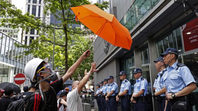 Am Freitag forderten die Demonstranten vor dem Regierungsgebäude den Rückzug des Gesetzesentwurfs.