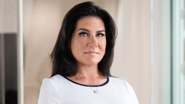 «We are falling further down into the rabbit hole of monetary policy», says Danielle DiMartino Boo